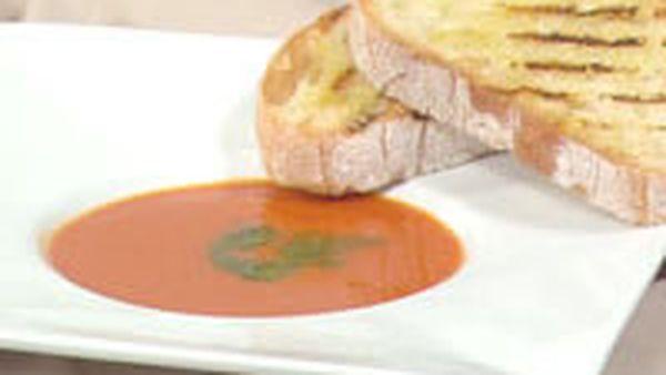 Roasted capsicum soup