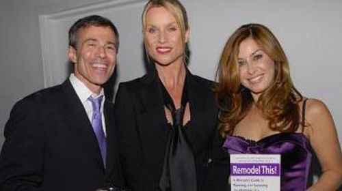 Mr Myer with Desperate Housewives star Nicolette Sheridan (centre) in 2007.  (Getty)