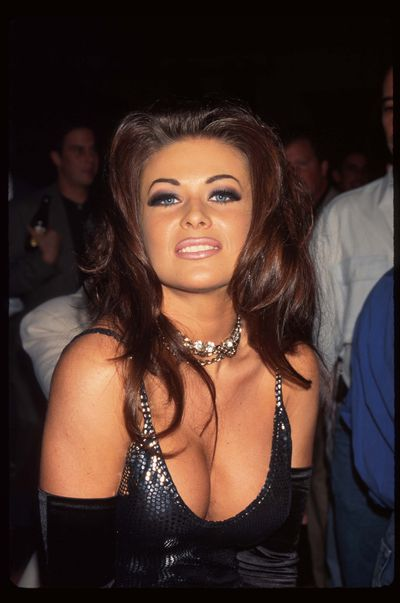 <p>Brown Lip Liner</p> <p>Muse - Carmen Electra pictured in 1996</p>