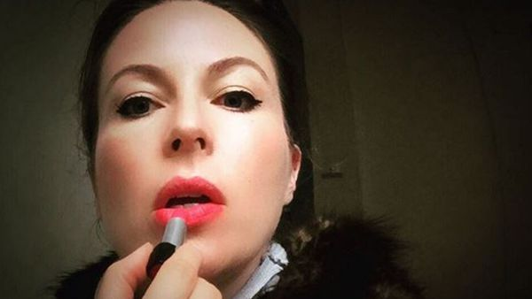 Lip service: Melinda Ayre applies makeup in front of her daughter and lets her wear it too if she likes. Image: Instagram/@beautyhunter1980