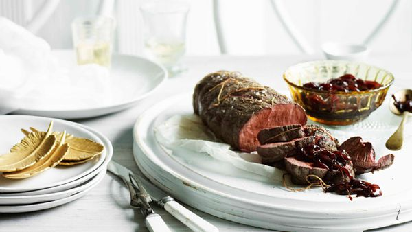 Rare roast fillet of beef with onion marmalade