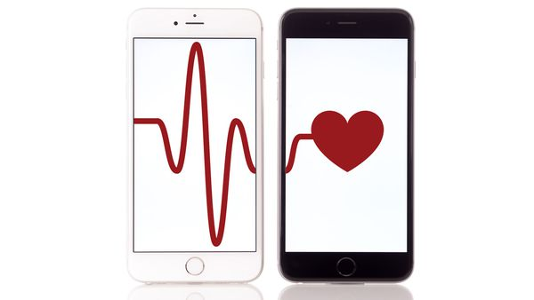Don't rely on your smartphone to track your heart rate, warn