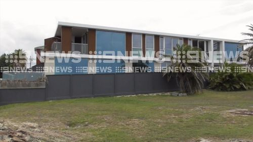 Mehajer's Vaucluse mansion was cleared out by removalists today. (9NEWS)