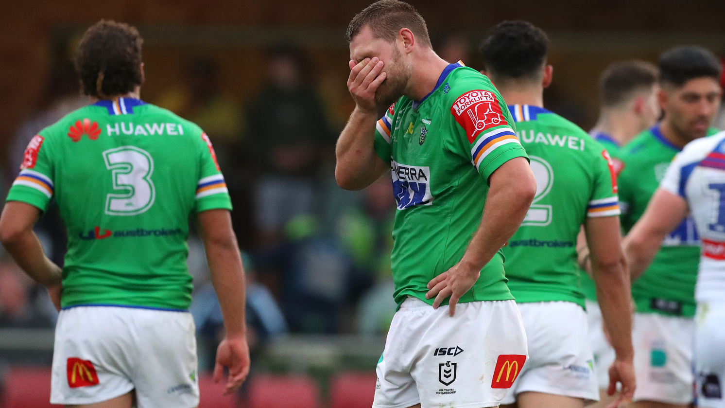 Canberra Raiders throw away second-half lead, giving Newcastle Knights vital win