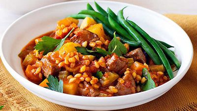 "<a href=""http://kitchen.nine.com.au/2016/05/05/10/49/weight-watchers-lamb-barley-and-rosemary-stew"" target=""_top"" draggable=""false"">Weight Watchers' lamb, barley and rosemary stew</a> recipe"