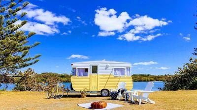 Sandy the Vintage Caravan (1973) - NSW
