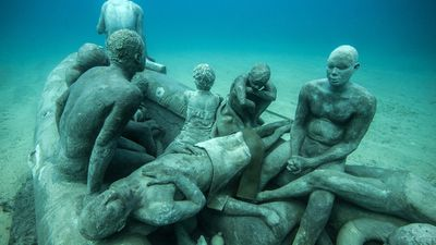 """Drawing parallels between the abandonment suffered by sailors in his shipwreck scene and the current refugee crisis, the work is not intended as a tribute or memorial to the many lives lost but as a stark reminder of the collective responsibility of our now global community."" (Jason deCaires Taylor)"