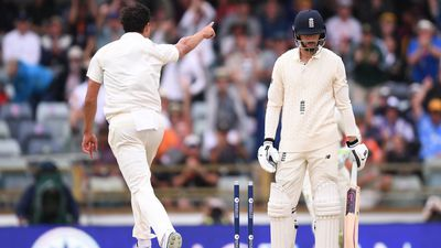 Aussies close in on the urn after 'ball of the summer' from Starc