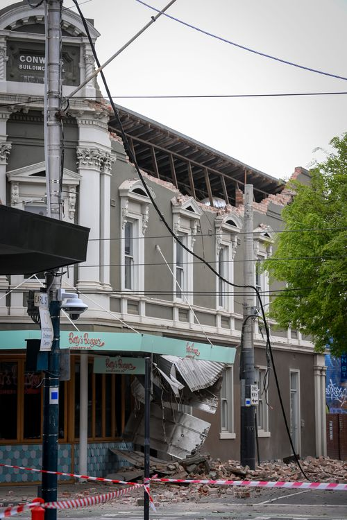 A damaged building on Chapel Street caused by an earthquake this morning. 22 September 2021. The Age News. Photo: Eddie Jim.