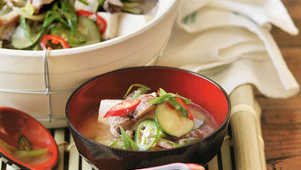 Hotpot with beef, vegetables & tofu