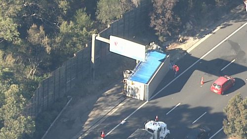 Traffic news: Man dies in M1 truck crash
