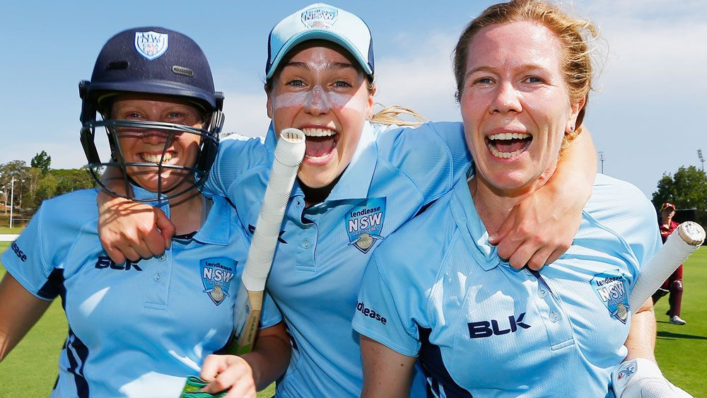 Alyssa Healy, Ellyse Perry and Alex Blackwell celebrate NSW's win. (Getty Images)