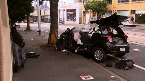 Woman in critical condition after car hits tree in Melbourne