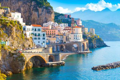 (Tied) 4. Italy