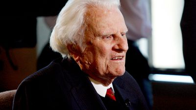 Billy Graham, preacher to millions, dies