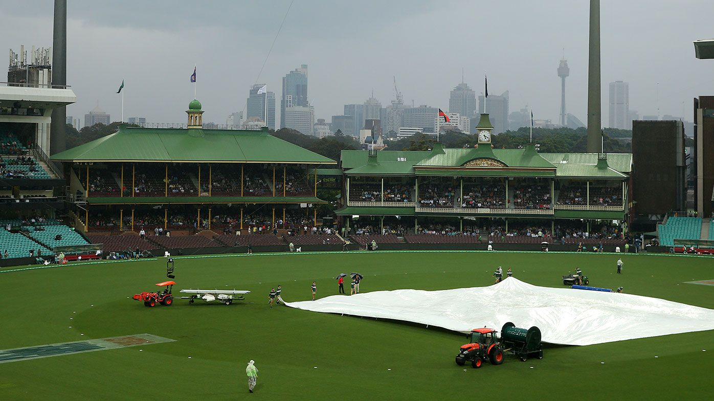 Rain forced the abandonment of the T20 match between Australia and Pakistan.