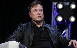 Elon Musk just became richer than Warren Buffett