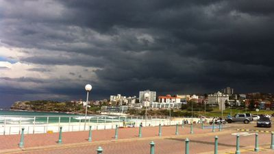 Black clouds roll in over Bondi. (Romny Vandoros)