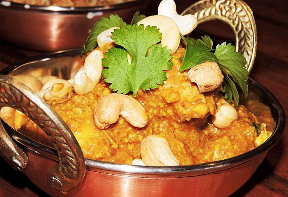 Bree May's chicken and cashew korma