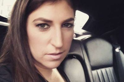 @missmayim: I like this selfie from the limo