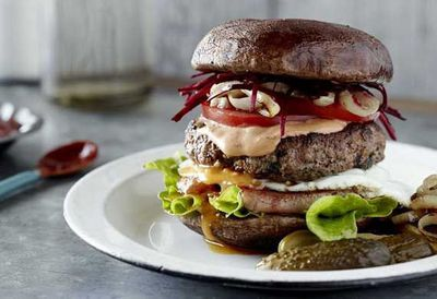 "Recipe: <a href=""https://kitchen.nine.com.au/2016/05/20/11/05/pete-evans-mum-burger-with-a-grilled-mushroom-bun"" target=""_top"">Pete Evans' Mum burger with a grilled mushroom 'bun'</a>"