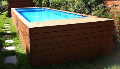 <strong>This here is your basic shipping container pool</strong>