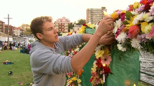 Friends in Australia a holding a final vigil for the Bali Nine duo. (9NEWS)