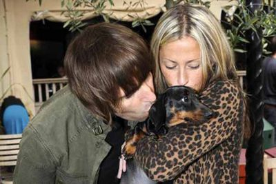 Liam Gallagher was a naughty boy this year, cheating on his wife Nicole Appleton. But it wasn't his lovechild the couple came to blows about but there two sausage dogs. Aww, look at them during the happy days. The battle is still continuing…