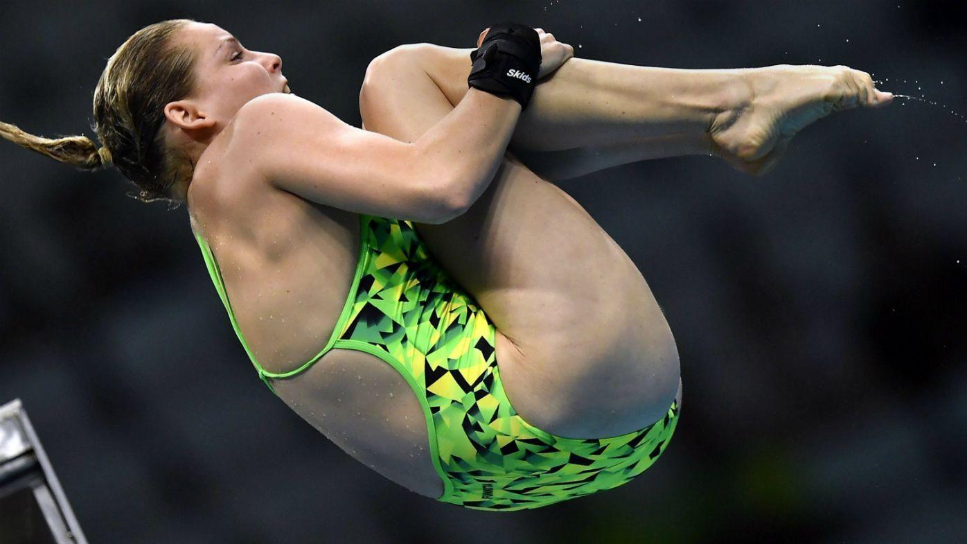 Taneka Kovchenko diving