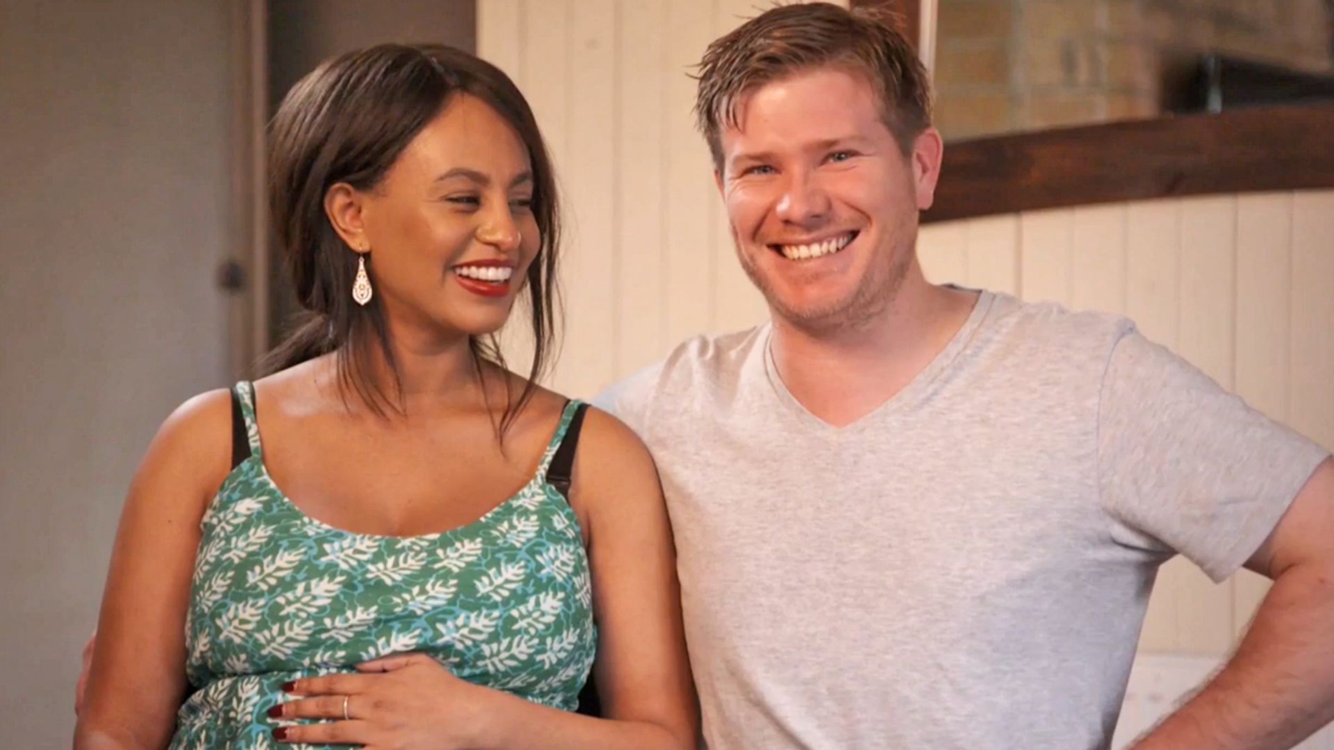 Zoe Alex Expecting Married Sight Extras Season 3 Exclusive Content
