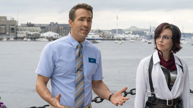 Comer spilled the beans on co-star Ryan Reynolds.