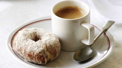 <strong>Sweet orange and olive oil doughnuts (Rosquillos)</strong>