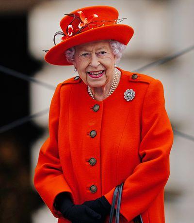 Queen Elizabeth returns to Buckingham Palace, October