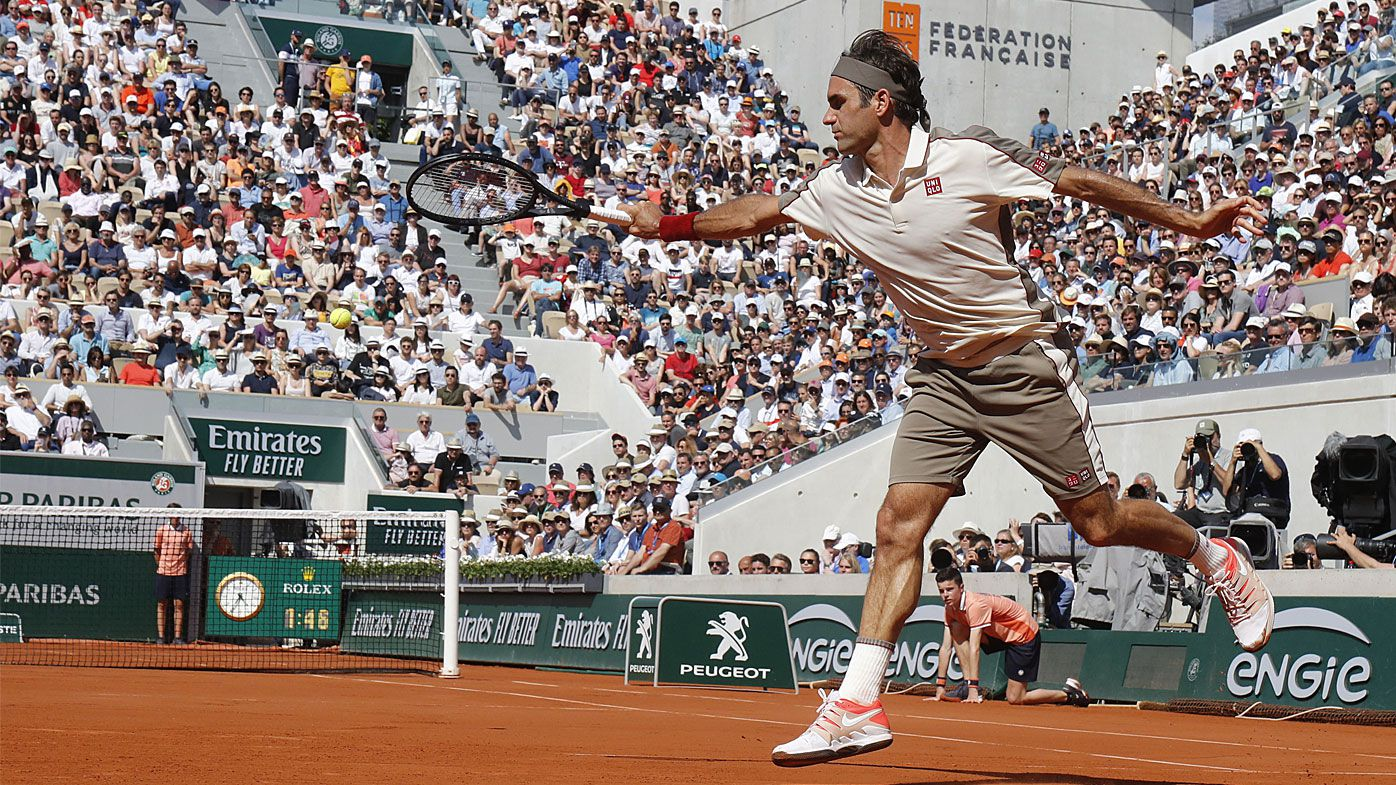 Federer reaches French Open fourth round, Pliskova out