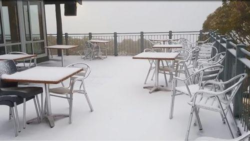 Snow on a verandah at Mount Baw Baw. (Weatherzone)