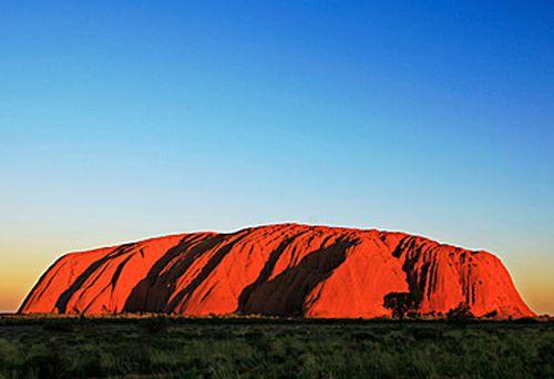 Uluru (Getty)