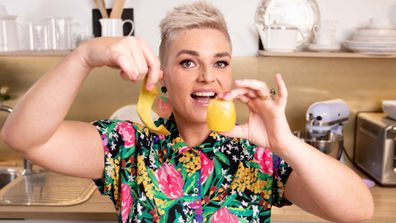 Jane de Graaff swears by the ultimate kiwifruit peeling hack