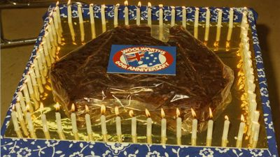 This patriotic cake was cut to celebrate Woolworths' 60th anniversary. (Supplied)