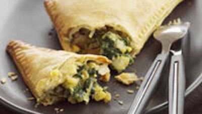 "Spinach and corn pasties - <a href=""http://kitchen.nine.com.au/2016/05/17/17/27/spinach-and-corn-pasties"" target=""_top"" draggable=""false"">view recipe</a>"