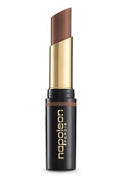 "<a href=""https://m.myer.com.au/shop/mobile/mystore/mattetastic-lauren-lipstick-182235610-182245240"" target=""_blank"">Napoleon Perdis Mattetastic Lipstick in Lauren, $38</a>"