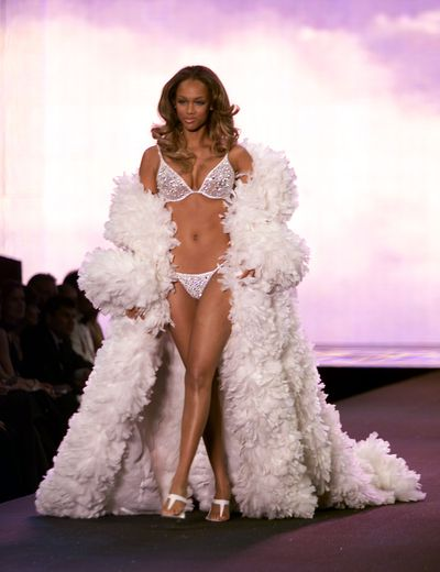 Tyra Banks at the 2000 Victoria's Secret Show