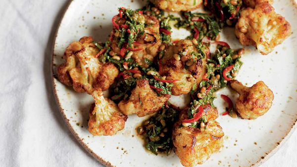 Pan-fried cauliflower salad