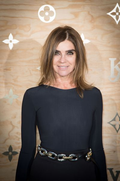 <p>Carine Roitfeld, 62</p> <p>Keeping hair slightly messy adds a youthful DGAF vibe.</p>