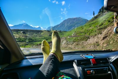 Is having your feet on the dash an offence?
