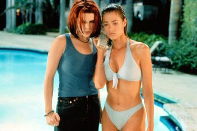 Goodbye safe <i>Party of Five, </i>hello sleazy <i>Wild Things.</i> Neve Campbell went out on a limb for this one as a trashy femme fatale who just happens to make out with Denise Richards in a swimming pool, and have a threesome with her and Matt Dillon.