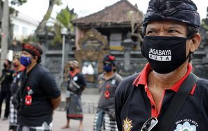Coronavirus: Holiday island of Bali begins to reopen