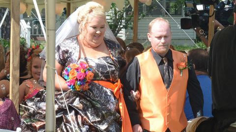 Honey Boo Boo's mum gets married – check out that dress!