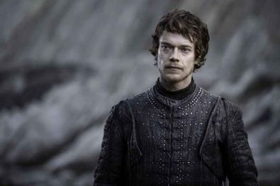 Game of Thrones, Alfie Allen, on set