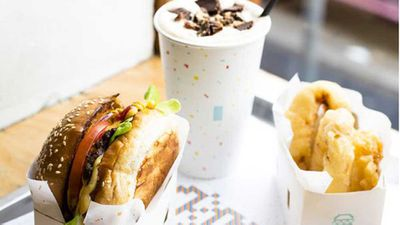 "<a href=""http://kitchen.nine.com.au/2016/05/20/10/33/8bits-burger-with-cheese-beer-battered-onion-rings-and-peanut-butter-milkshake"" target=""_top"">8Bit's burger with cheese, beer battered onion rings and peanut butter milkshake</a>"