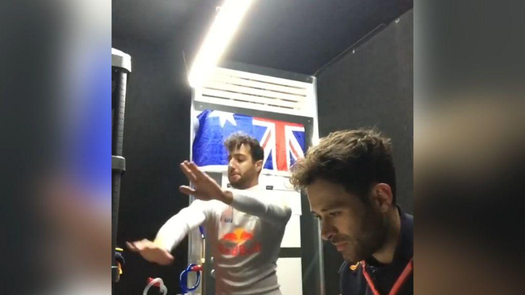 Ricciardo busts a move before Malaysia GP